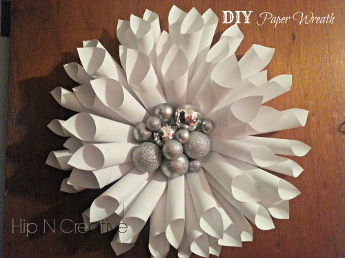 Hip N Creative | DIY Paper Wreath Tutorial