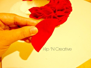 Hip 'n Creative fun and easy wreath tutorial