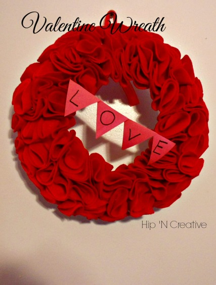 Hip 'n Creative Valentine's Day Wreath tutorial